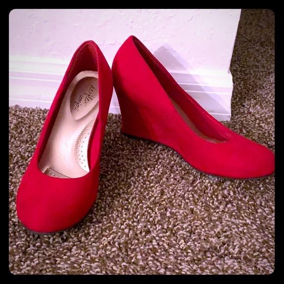 dexflex comfort Shoes - Red heels